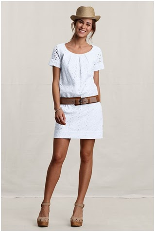 How to wear white shift dress