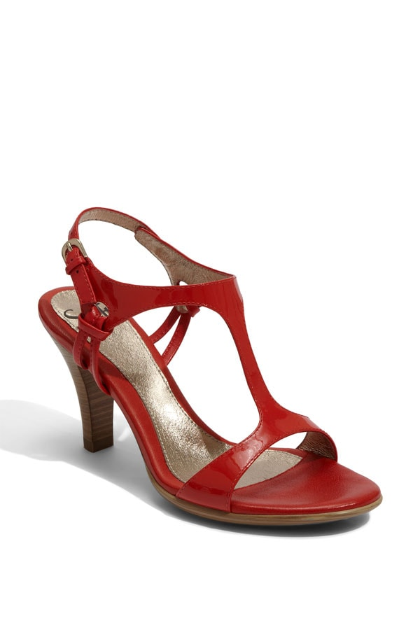 sofft sonoria sandal coral patent stacked heel