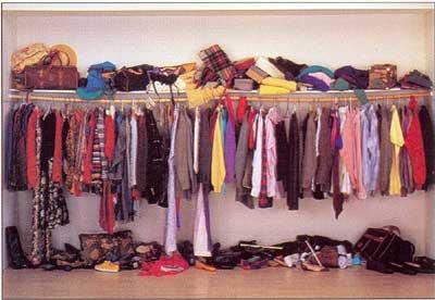 messy closet1