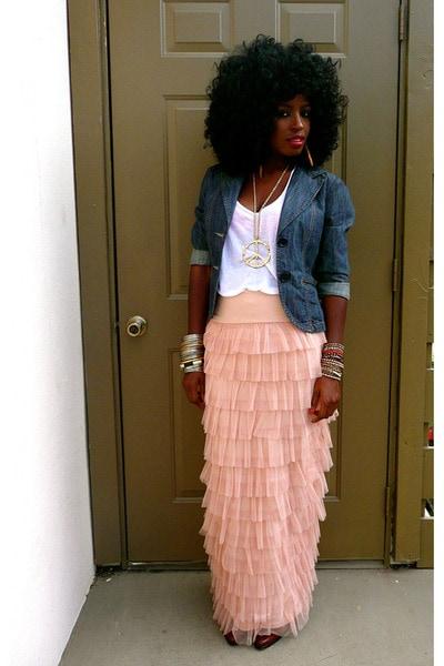 blue denim blazer white cotton t shirt nude tulle maxi skirt 400