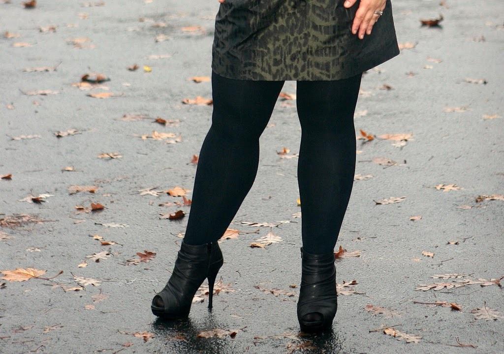 black tights DKNY