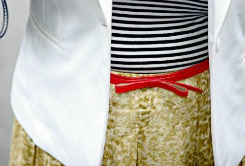 red patent skinny bow belt