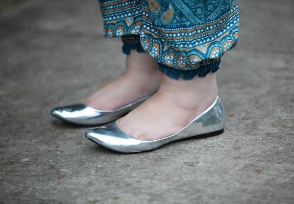 MIA silver metallic pointed flats