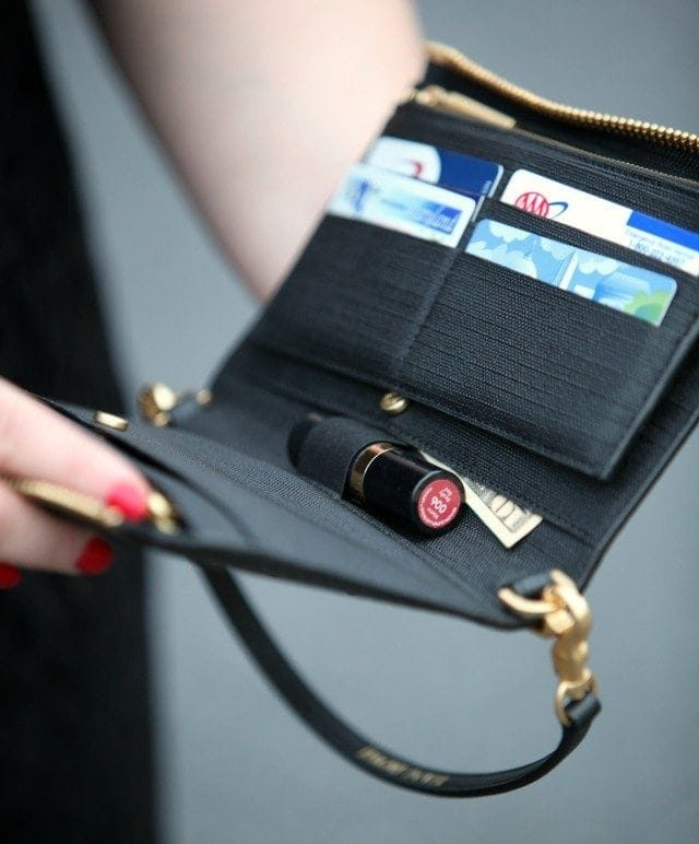 Review of the Dagne Dover Clutch