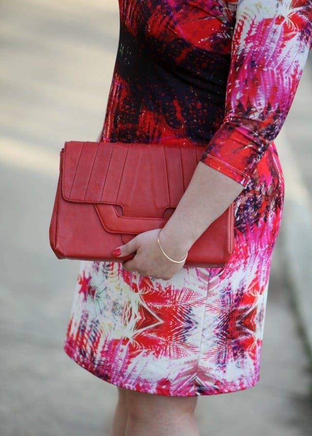 free endearment dana clutch in red