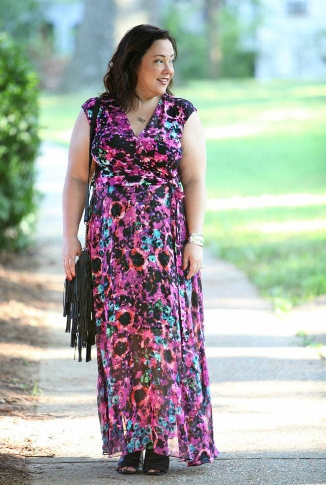Wardrobe Oxygen outfit post featuring Taylor Dresses via Gwynnie Bee and Handbang Heaven