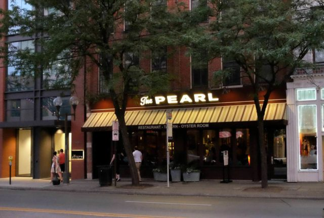 A review of The Pearl Restaurant in Columbus #lifeincbus