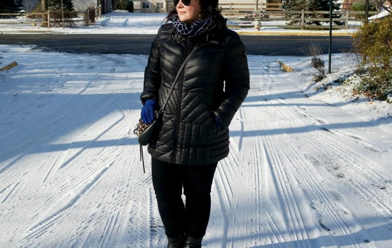 Wardrobe Oxygen featuring a Bernardo packable down hooded parka, L.L. Bean Harness Boots, and Ray-Ban aviators