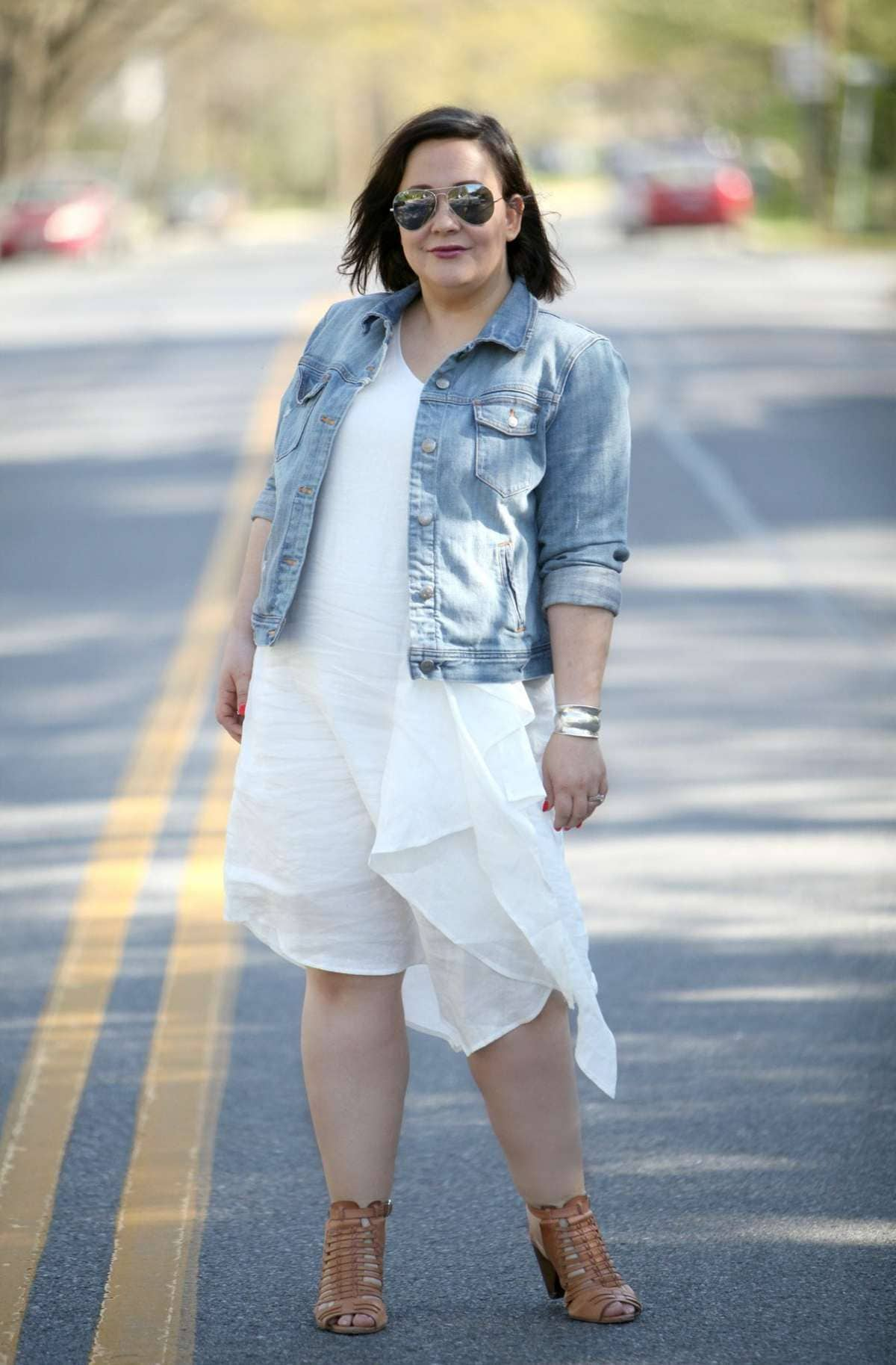 over 40 fashion blogger wardrobe oxygen in a stella carakasi white linen dress