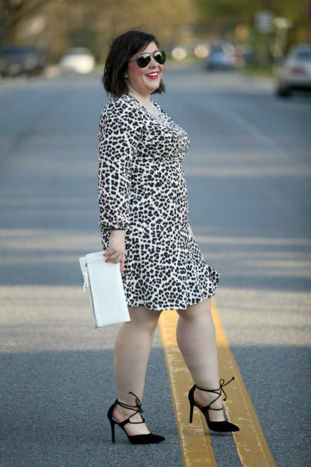 wardrobe oxygen over 40 fashion blog featuring sole society clutch bag