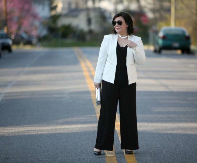 wardrobe oxygen over 40 fashion blogger wearing karen kane