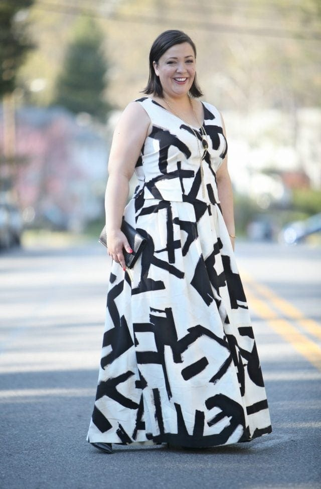 Wardrobe Oxygen, over 40 fashion blogger wearing a Nic + Zoe brushstrokes skirt and top