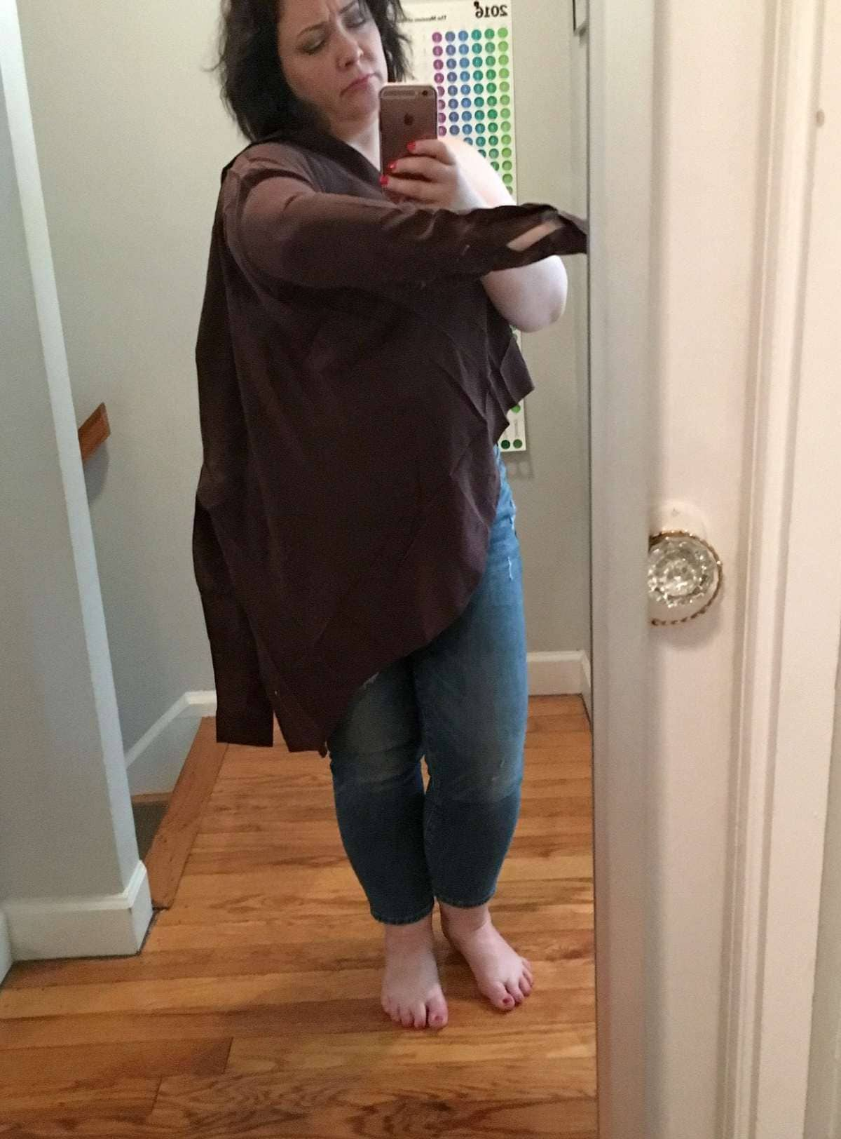 Wrong item delivered from Everlane | Thoughts on Everlane Sizing featured by popular DC curvy fashion blogger, Wardrobe Oxygen