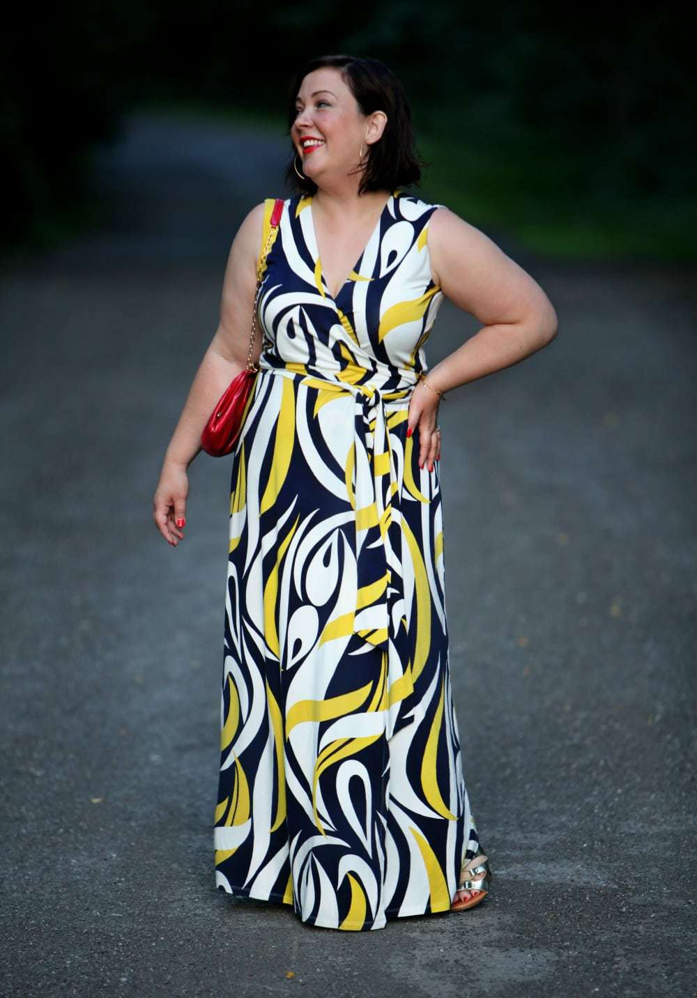 wardrobe oxygen over 40 blogger in graphic boden maxi dress