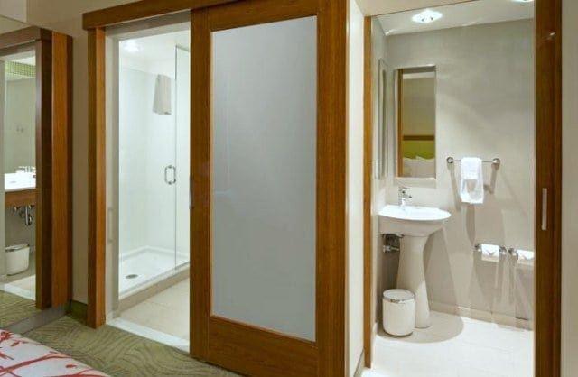 SpringHill Suites Columbus OSU bathroom