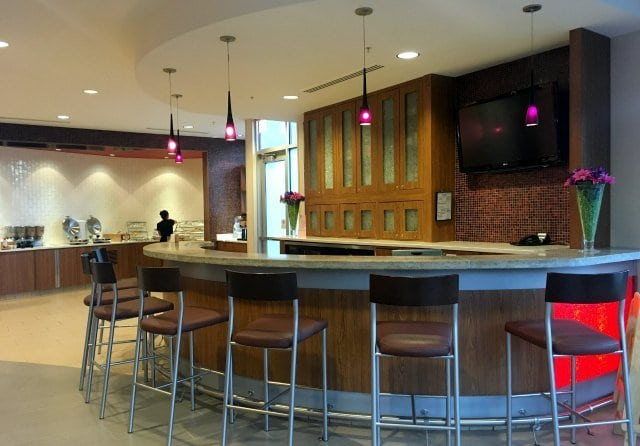 SpringHill Suites OSU Columbus Ohio Lobby Bar Breakfast