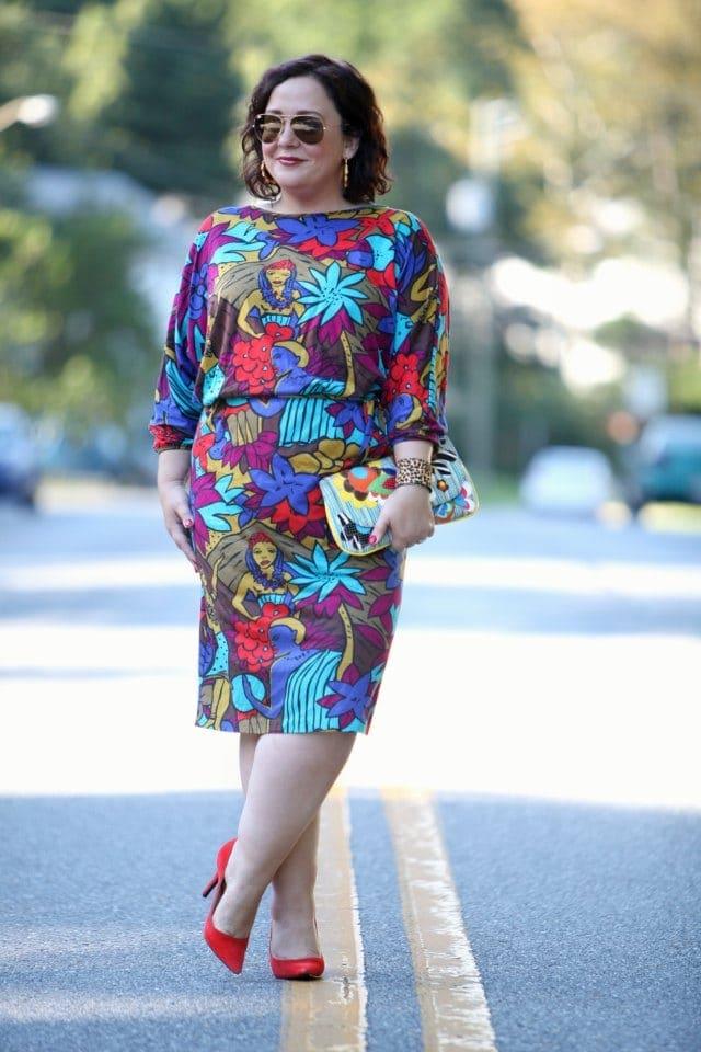 Wardrobe Oxygen in Nine West Pumps and a Vintage Bloomingdales Dress