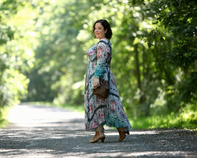 Wardrobe Oxygen in a dress from Charlie Jade with aa vintage Coach bucket bag