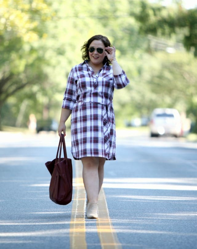 Wardrobe Oxygen wearing a shirtdress from Foxcroft with a tote from Adora Bags
