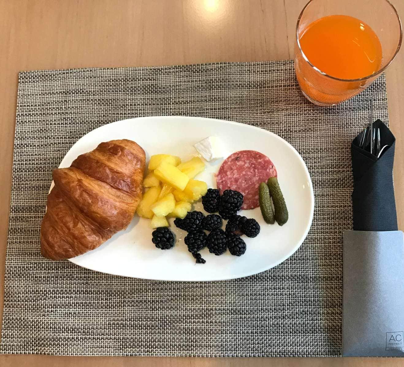 AC Hotel Breakfast