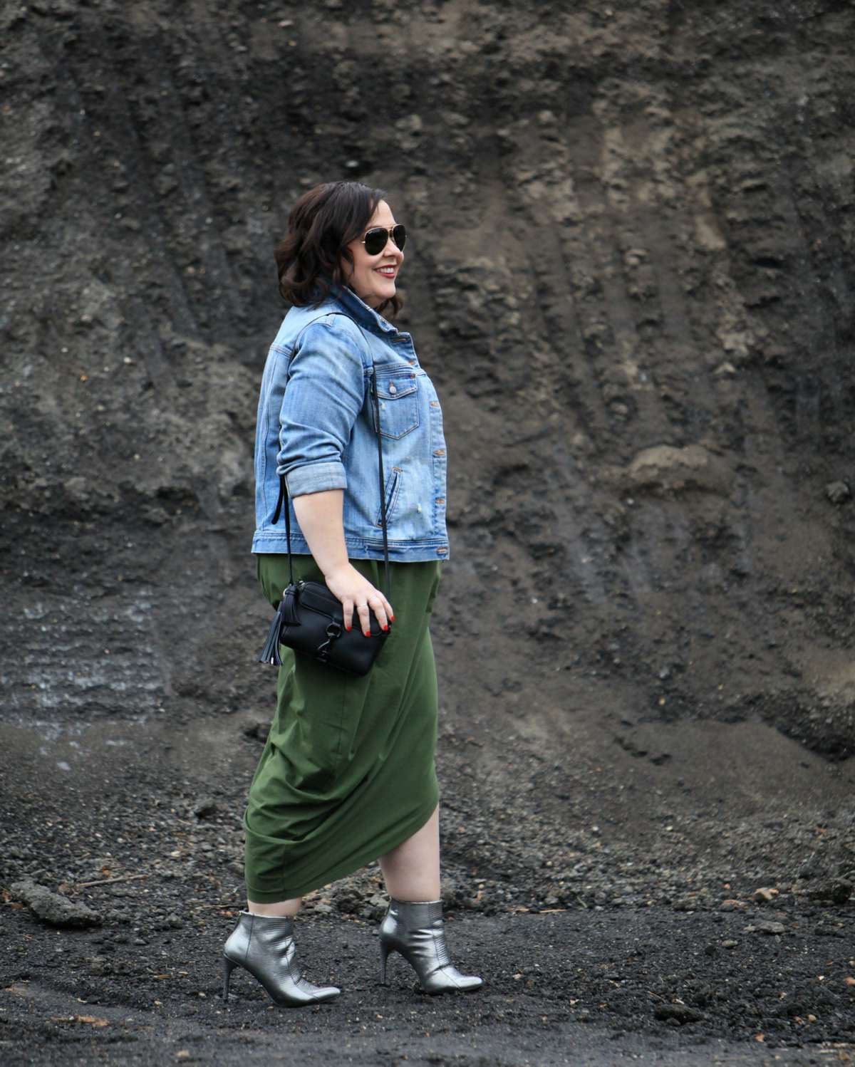 Wardrobe Oxygen, over 40 fashion blogger in a Universal Standard Geneva dress with a J. Crew Factory denim jacket and silver snakeskin booties