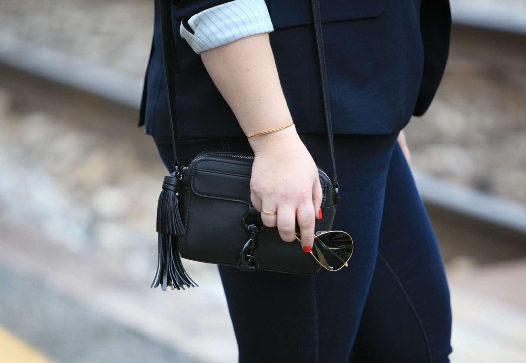 Wardrobe Oxygen featuring Rebecca Minkoff MAB Cameraa Bag in Black