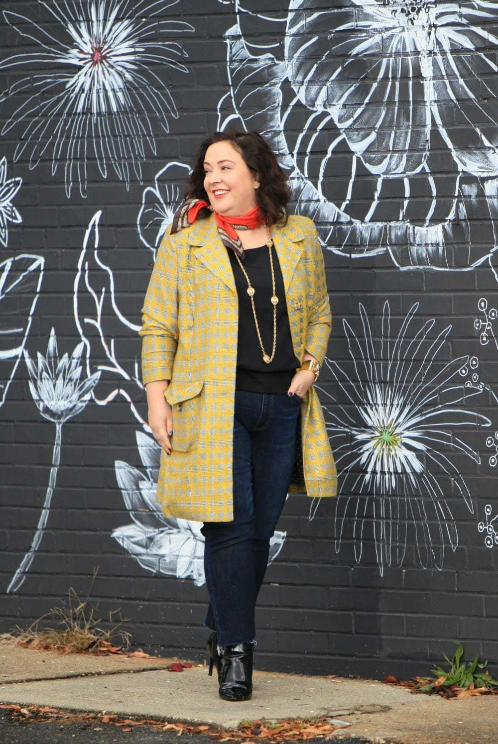 Wardrobe Oxygen in the cabi Regent Jacket, Deidre Scarf, Indulgence Tank and High Straight jeans fall 2017