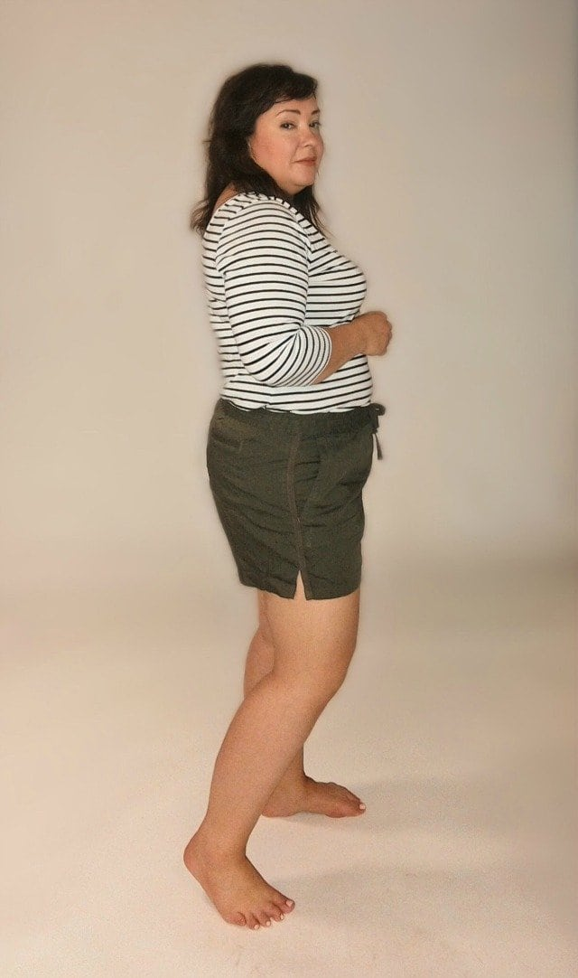 caslon linen shorts side view