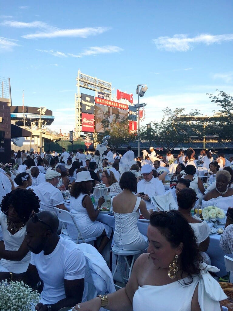 Diner en Blanc 2018 DC Nationals Park