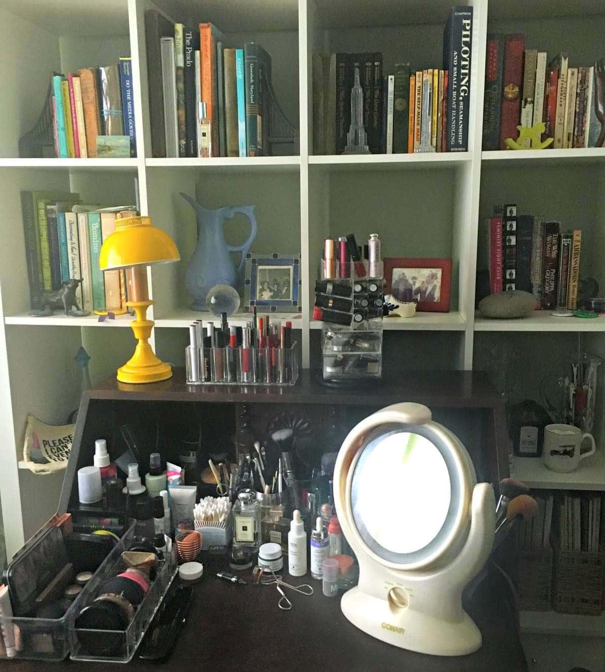 debbie ashpes makeup table