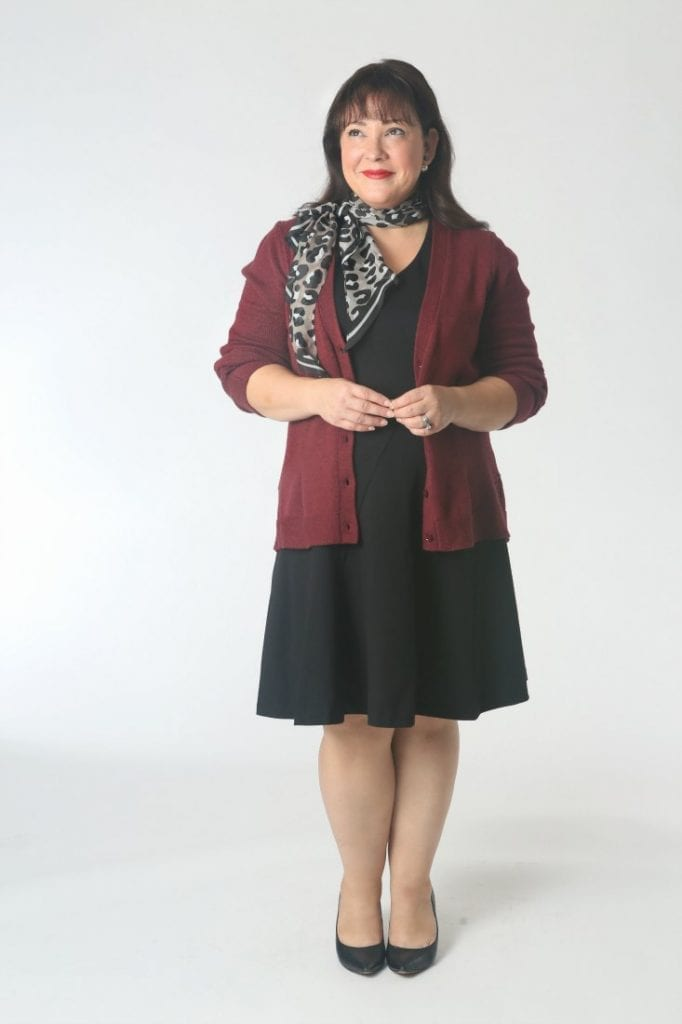 How to tie an oblong scarf.