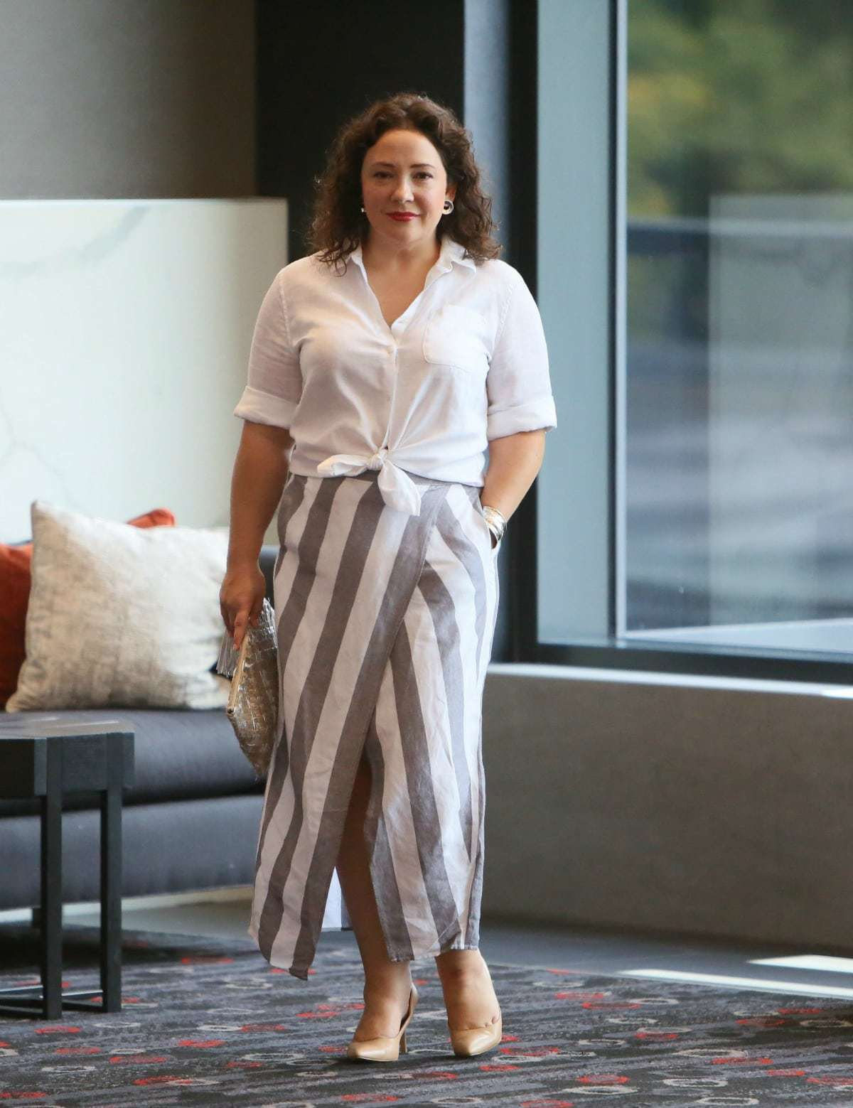 Madewell linen stripe skirt on Wardrobe Oxygen, styled with a white linen shirt from Chico's and nude pumps