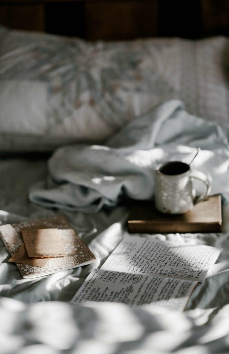 weekend reads by wardrobe oxygen