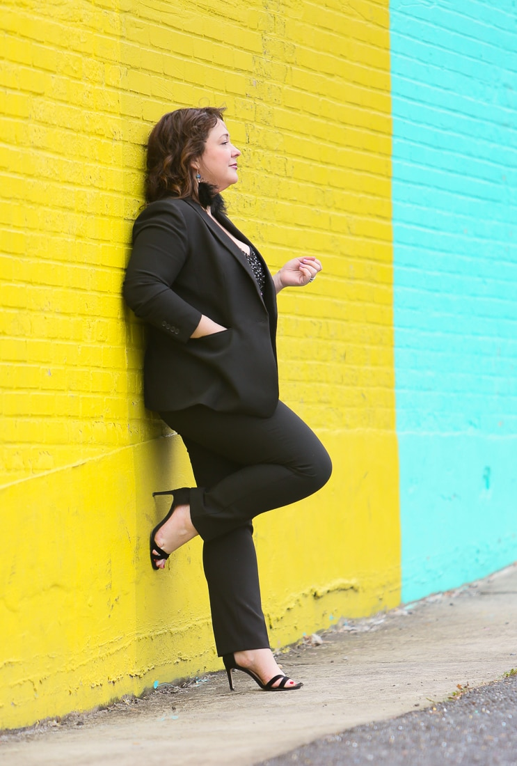 A review of the Ann Taylor Bi-Stretch Suiting and how it fits on a petite size 14 frame by Wardrobe Oxygen