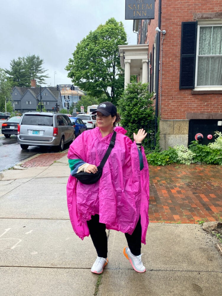 what to wear sightseeing in the rain