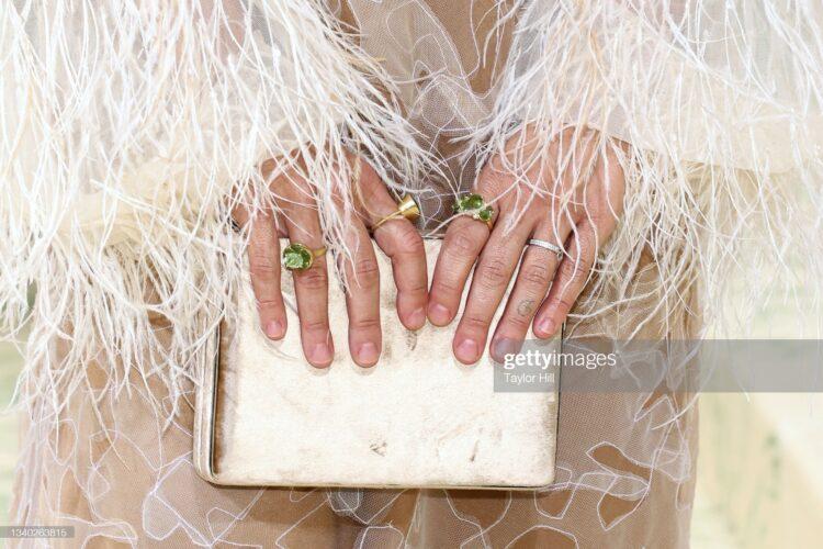 ilana glazers fingers met gala
