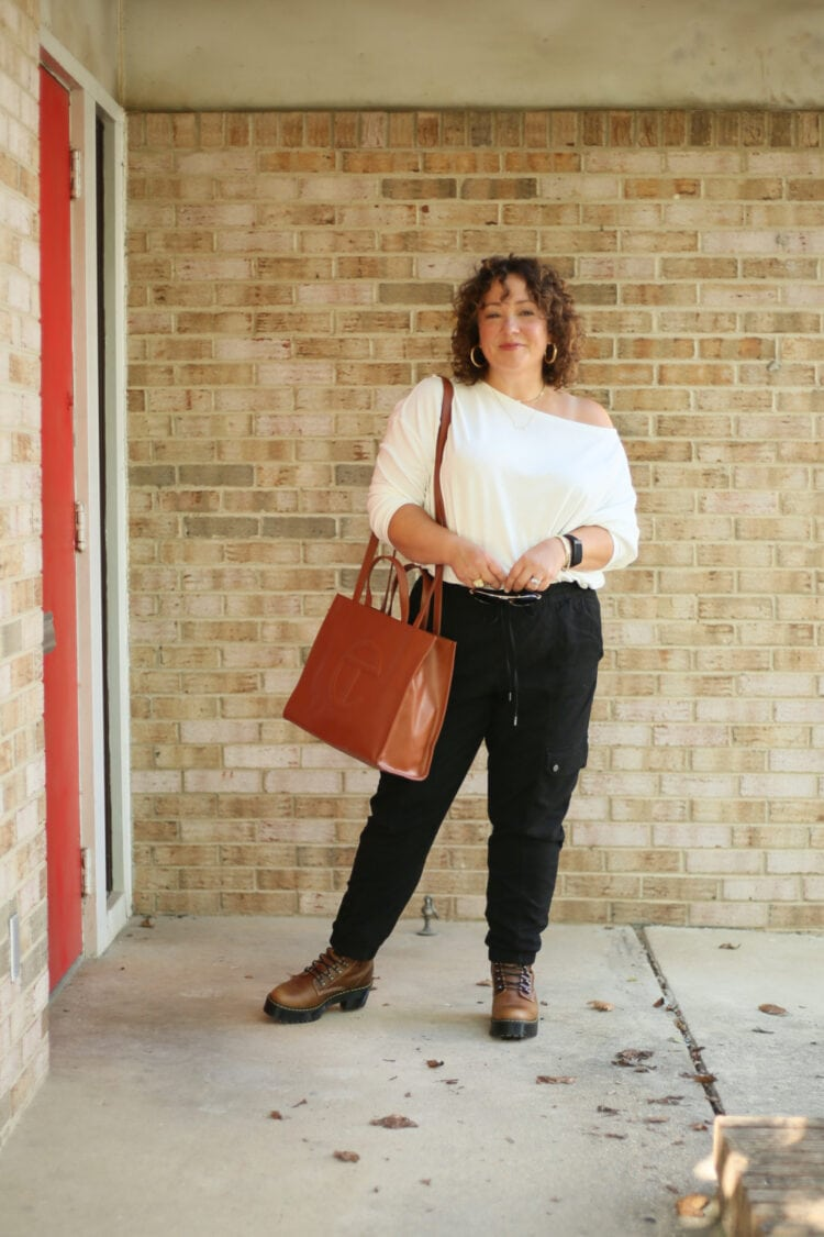 Alison from Wardrobe Oxygen with a TELFAR tote